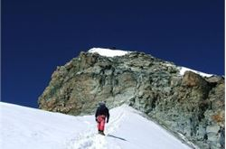 Richard Parks reaches top of Denali